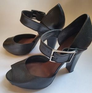 Black Gianni Bini pumps